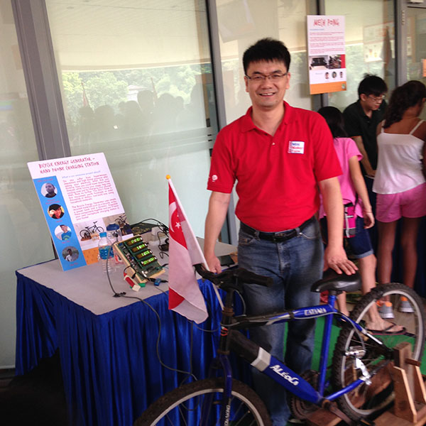 Singapore Mini Maker Faire 2014, from Visitor toMaker